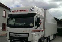 NICOTRANS a.s. / Náš vozový park s 200 kamiony je doplněn také o skříňová vozidla určená pro místní regionální rozvoz. Našimi zákazníky jsou velké stabilní firmy z oblasti výroby, distribuce a prodeje potravin jak živočišného, tak rostlinného původu a také logistické firmy působící po celé Evropě. V našem servisu se specializujeme zejména na opravy nákladních vozidel včetně návěsů, autobusů a dodávek. Vlastníme také čerpací stanici a myčku nákladních vozidel s NON STOP provozem. www.nicotrans.cz