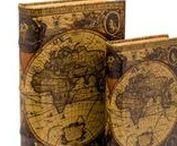 Buchattrappe - Hidden Book Box Case / Originelle Schatulle in Buchform, gefertigt im antiken Stil aus Holz und Kunstleder. Verwendbar z.B. als Geschenkverpackung, Buchstütze, Versteck, Buchattrappe oder als Geheimversteck zur Aufbewahrung von Schmuck, Geld oder ähnlichem. Im Inneren ist das Buch hohl, wodurch es wie eine Box oder Kiste verwendet werden kann. Weitere Informationen in unserem Shop. Auf dem Cover sind Wein und Trauben zu sehen. #werbung #buch #versteck #book #auktionshausbadhomburg #aubaho #buchattrappe #hiddenbox #box