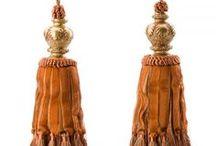 Dekoration : Quaste - Decoration : Tassel / Wunderschönes massives Paar Quasten aus Polyestergarn und Baumwolle hergestellt. Ein dezenter & wunderschöner Blickfang für Ihre Gardinen! Mehr in unserem Shop aubaho.de. Beautiful massive pair of tassels made out of polyester & cotton. Perfect for your curtain! #werbung #aubaho #auktionshausbadhomburg #antik #antique #quaste #gardine #anhänger #raffhalter #curtain #tieback #tassel #cotton #baumwolle #polyester #tradition #interior #deko #deco #homedeco #wohnen #living #home #window #fenster