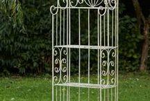 Gartenregal - Garden shelf / Wunderschönes & massives Regal aus Schmiedeeisen für Ihr Garten, Balkon & Terasse! Ideal für Ihre Pflanzen & Ihre Ordnung! Beautiful massive garden shelf. #aubaho #auktionshausbadhomburg #antik #antique #regal #shelf #eisenregal #blumenregal #gartenregal #garten #garden #eisen #iron #nostalgie #nostalgia #gardenshelf #flower #blumen #pflanzen #plants #balcony #terrace #summer #spring #frühling #sommer