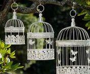 Vogelkäfig - Bird cage / Hochwertig, wundervoll dekorativ & einzigartig! Wunderschön atemberaubender Vogelkäfig aus Metall für Ihr Zuahuse & Garten. Beautiful & decorative unique piece! Stunning birdcage for your home & garden. #werbung #auktionshausbadhomburg #auktionshaus #aubaho #garten #garden #vogelkäfig #birdcage #vogel #bird #cage #käfig #tree #baum #gardendeco #gartendeko #home #living #haus #wohnen #gestalten #inspiration #vintage #nostalgie #nostalgia #butterfly #schmetterling #dekoration #decoration
