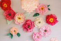 FLOWER & POM PONS