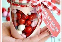 Valentine's Day Crafts / Fun and Easy Valentine's Day Crafts.