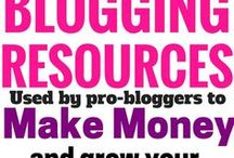 Make Money Blogging / If you're a writer looking to make money blogging, then this board is for you. It's filled with the best resources designed to help you build a profitable blog.