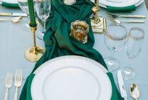 EMERALD WEDDINGS / Emerald inspired wedding, wedding color emerald, touches of emerald, emerald bridesmaid dresses, emerald accents wedding, emerald inspiration.