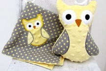 Owls / Whoooo doesn't love #Owls? Knitted owls, crocheted owls, owls made of fabric and more!