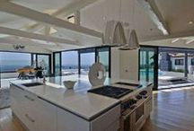 Extraordinary Kitchens / Kitchens to build a home around