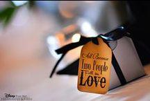 Wedding Details / Wedding bouquet and flowers, wedding cake, wedding reception decorations.  Cricket's Photography www.cricketsphoto.com