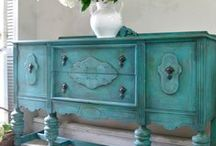 Refinishing Furniture / Giving old pieces a new life!