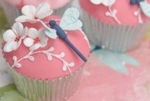 Food | CupCakes / by Jackie Grogan