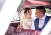 Bride and Groom in the car / Leaving in the wedding car
