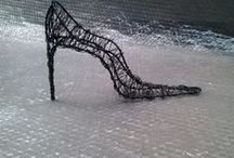 TACCODODICI / Scarpa da donna in ferro realizzata artigianalmente con finitura trasparente. Vendibile su facebook ferro matto €