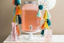 Pom Up Your Party | Pompom Party Decorations / Any party's better when you add pompoms! DIY ideas for your pompom party - pompom party hats, pompom garlands, pompom cake toppers, pompom decorations