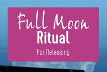 Living in rhythm with the moon / Exploring a life living in harmony with the moon cycles and the seasons