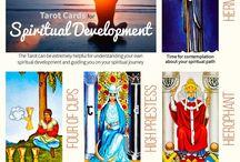 How To Use Tarot and Oracle Cards / Tarot spreads and ups to use your tarot and oracle cards | tarot readings | tarot symbolism