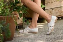 eco FRIENDLY / Coclico celebrates the environment, green fashion, eco-friendly materials, and sustainable practices when designing shoes for today's modern woman. Here are some of our favorite eco-chic fashion and beauty picks.