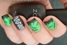 Beauty: Halloween Nails / by Linda Stringer