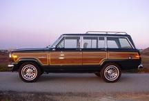 AUTOMOBILES : Jeep Grand Wagonner + Cherokees / American Motors SUVs