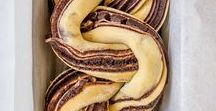 Baked Goods / Ideas of sweet baked goods and pastries, including Sweet Breads, Babka, Buns, Scrolls, Biscuits, Scones, Buns, Doughs and Crust