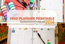 Printables and Freebies / by Tatiana Capelli