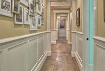 Wainscoting & Crown Molding / I LOVE Wainscoting & Crown Molding.