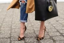 Handbags & Shoes / Gorgeous handbags and shoes at up to 90% off at thredUP.