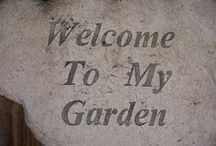 EARTHTOWER GARDEN / The EarthTower Garden has 46 feet of garden row in a 2 foot by 2 foot space.