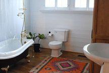 Bathroom. / by Chrystal Ruiz