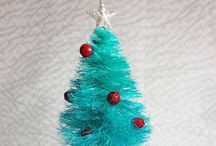 Holiday Food & Decorating / Decorating ideas and crafts for many major holidays. / by Dawn Krause