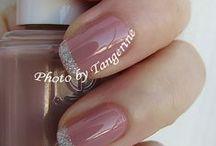 Nails for women in their 40s / Nail care, nail colors, nail art, nail tips, ect.