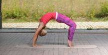 Power Yoga Workout / Ich liebe Power Yoga und praktiziere Yoga Flows daher täglich! Für jede Menge Yoga Inspirationen für dein Workout zuhause oder wo du trainieren willst.