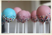 Cake-Pops / by Martina Strong