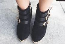 <3 BLOGUEUSES / Véritables sources d'inspiration, les blogueuses ne cessent de nous surprendre et de nous impressionner grâce à leur sens de la mode. Découvrez nos looks préférées !