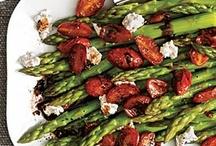 Let's eat  - Asparagus. / My favourite veggie!! Love it. <3