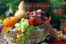 Harvest Table / Inspirational Tablescapes,Table Settings and Centerpieces for Thanksgiving and the Fall season. / by Chellie Hailes