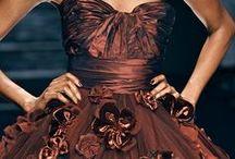 Chocolate Brown Wedding Ideas / Luxurious, rich & decadent, create a sensuous wedding colour scheme with warm chocolate shades.
