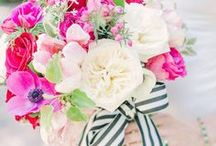Stripe Wedding Style / Beautiful wedding dresses, decor and details featuring stripes.