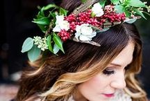 Festive Rustic Wedding Ideas / Combine Christmas with Rustic Country Charm