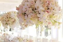 Dramatic Wedding Centrepieces / Wedding table centrepieces with wow factor