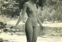 Art photography: Albert Arthur Allen (1886-1962) / Albert Arthur Allen was born in Grafton, Massachusetts 1886. He passed away in Hayward, California 1962. His unretouched pictures of nudes in the 1920's created much controversy at the time. Today, original Albert Arthur Allen photos are highy valued by collectors and obtain very high prices.