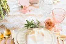 Tablesetting Inspiration / Not sure what color scheme or theme to go with when hosting a fab dinner party? Find a whole range of ideas here.