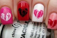 Nail it! / by Chloé Wrn