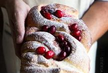 ***Recipes: Homemade Bread Recipes*** / Warm and comforting bakery style yeast and homemade quick bread recipes made from scratch.