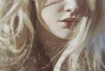 Laura [Witcher] / Laura Everhart of Brunwich   Sorceress