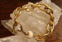 Vintage Gold / Gold jewelry with a modern interpretation of vintage style.