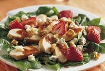 Yum! Salada / by Cindy Trivilino