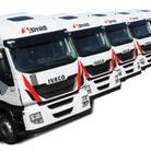 Šmídl s.r.o. #ceskytrucker / Šmídl s.r.o. je předním českým poskytovatelem přepravních a logistických služeb. Na trhu působí již od roku 1990. Pobočky firmy se nacházejí v pěti městech České republiky a celkem disponují vozovým parkem s 278 nákladními vozidly v průměrném stáří 2 roky. Šmídl s.r.o. zaměstnává přes 400 pracovníků a ročně realizuje více než 15 000 přeprav.  www.smidl.cz