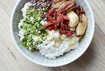 Matcha / Enfin de belles recettes pour cuisiner avec le thé matcha. Des porridges, des bols et des banana breads tout chaud pour vous.