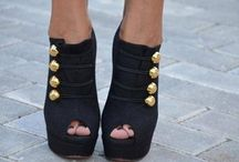 SHOESSSS! / by Shandra Lucier