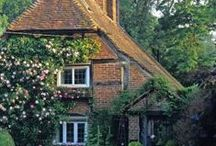 Pretty houses, cottages and other buildings